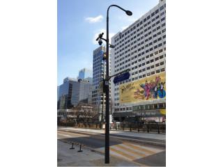В Сеуле устанавливают умные столбы с видеонаблюдением, Wi-Fi, фонарями и светофорами